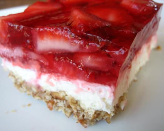 Weight Watchers Strawberry Pretzel Salad Squares Recipe