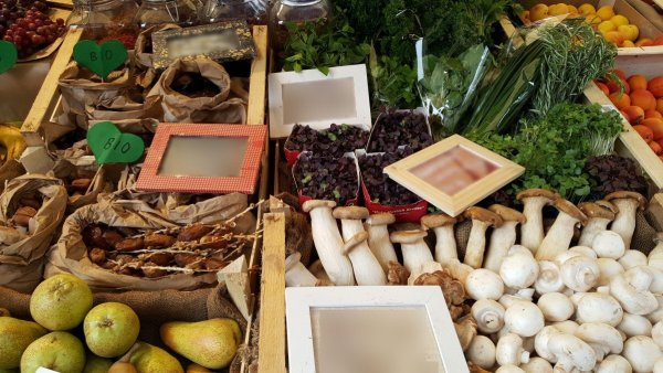 Weight Watchers Get Healthy Freestyle Journey – Week 19 Benefits of Shopping at a Farmer's Market - Mushrooms and Herbs