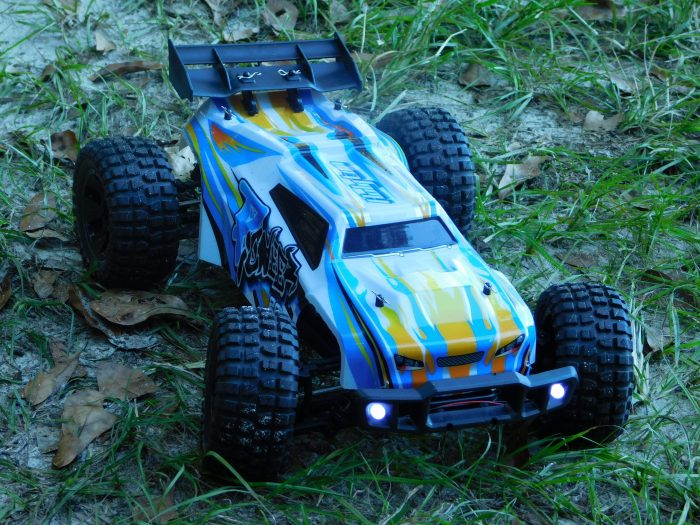 Holyton 4WD Off-Road Remote Control Car