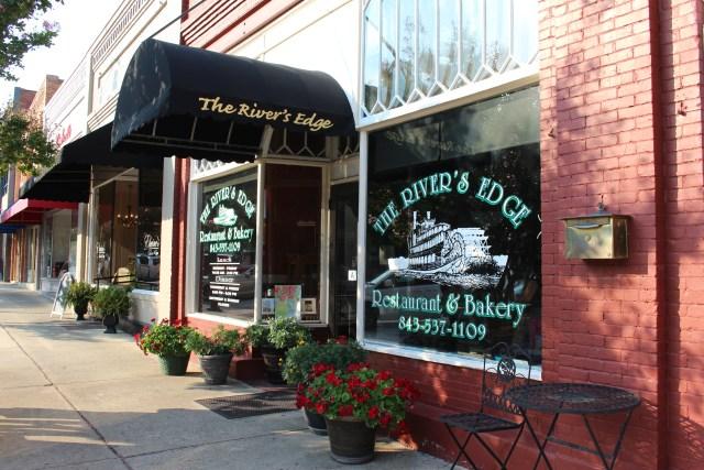 The River's Edge Restaurant & Bakery
