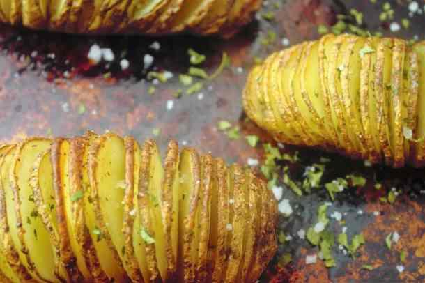 Hasselback Potatoes - Sweet Tea & Thyme