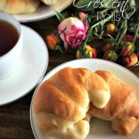 Easy No-Knead Buttery Crescent Rolls