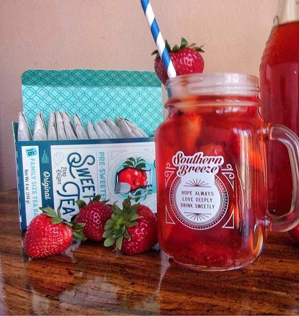 Southern Strawberry Sweet Tea w/ Southern Breeze