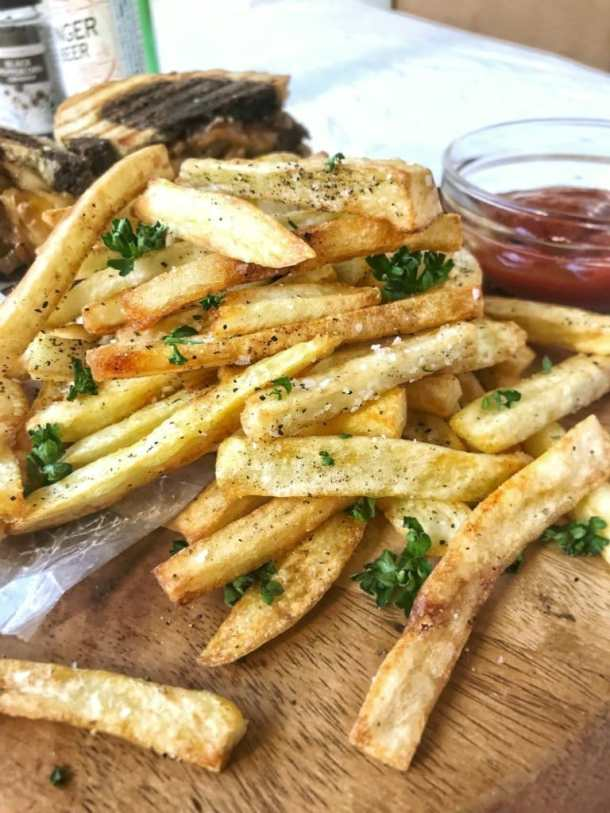 The perfect fry is a crispy, salty fry with a fluffy, soft inside. I'll teach you how to make crispy fries just like the restaurants, and say goodbye to over-priced, soggy fries.
