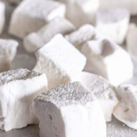 Homemade Marshmallows (for Beginners!)