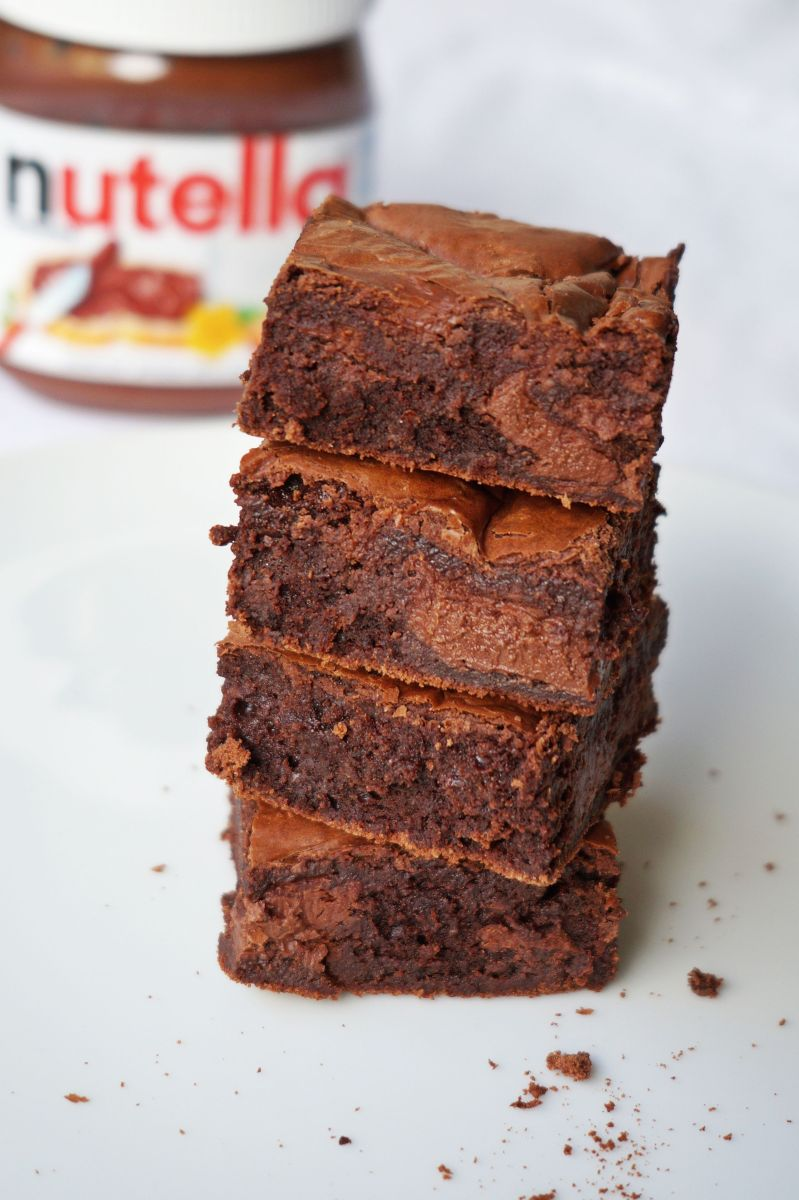 Fudgy Flourless Nutella Swirl Brownies {gf}