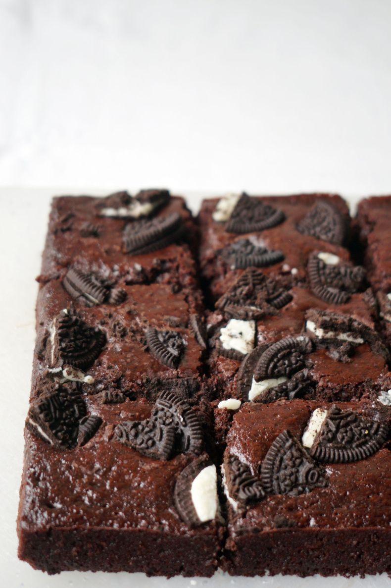 Vegan Oreo Brownies
