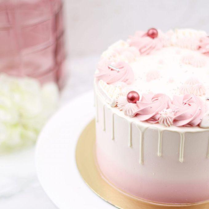 Roze Ombre Drip Taart
