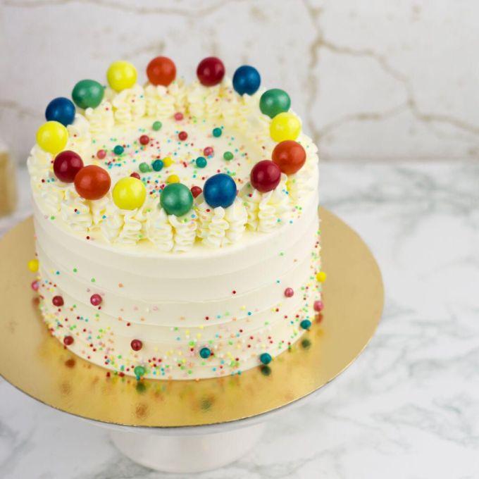 Happy Carnaval Cake