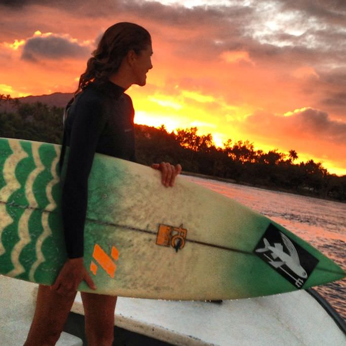 Good friends, blazing sunset, my favorite board, peeling rights, and fresh air...filling up!