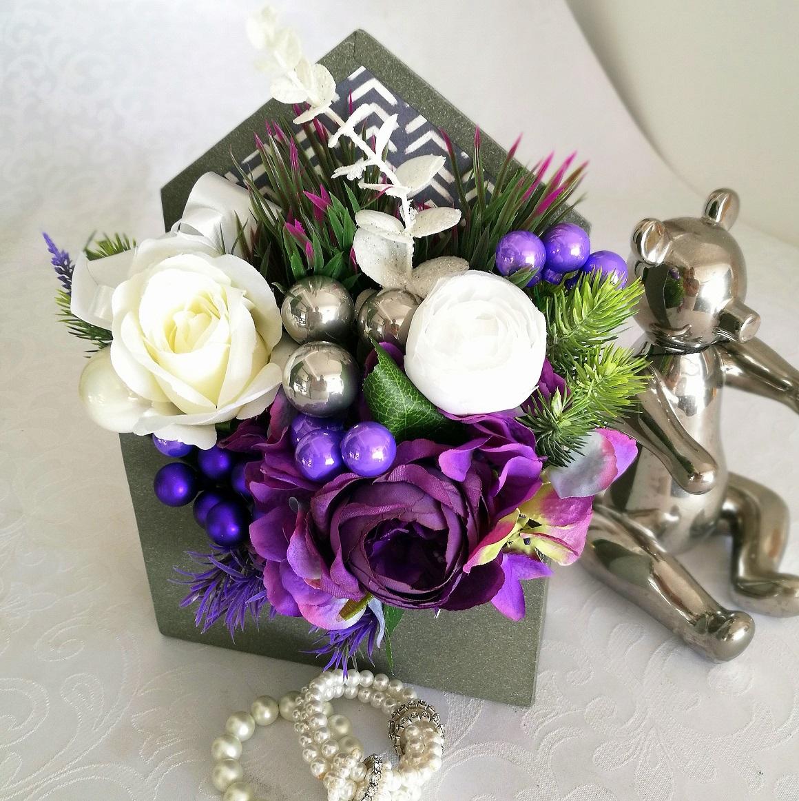 Flower box świąteczny biel z fioletem