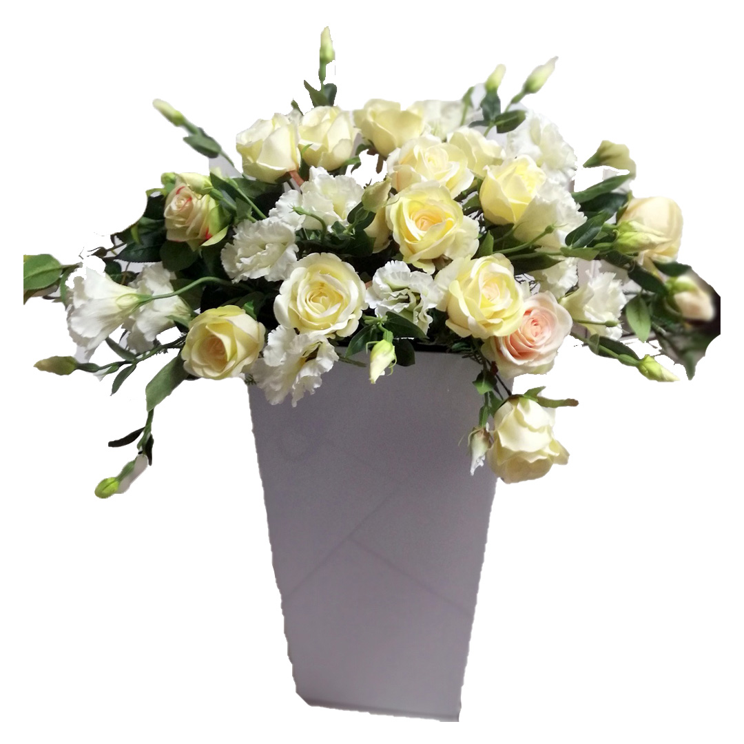 Eustoma i róże w białej donicy nr 138