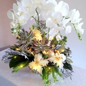 Bożonarodzeniowy stroik z białym storczykiem nr 244