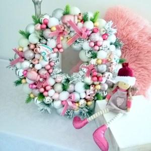 Wianek świąteczny pudrowy róż nr 119