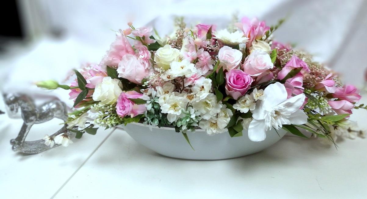 Kompozycja kwiatowa rózowo biała nr 293