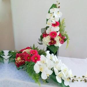 Bukiet i stroik nagrobny biel z amarantem nr 315