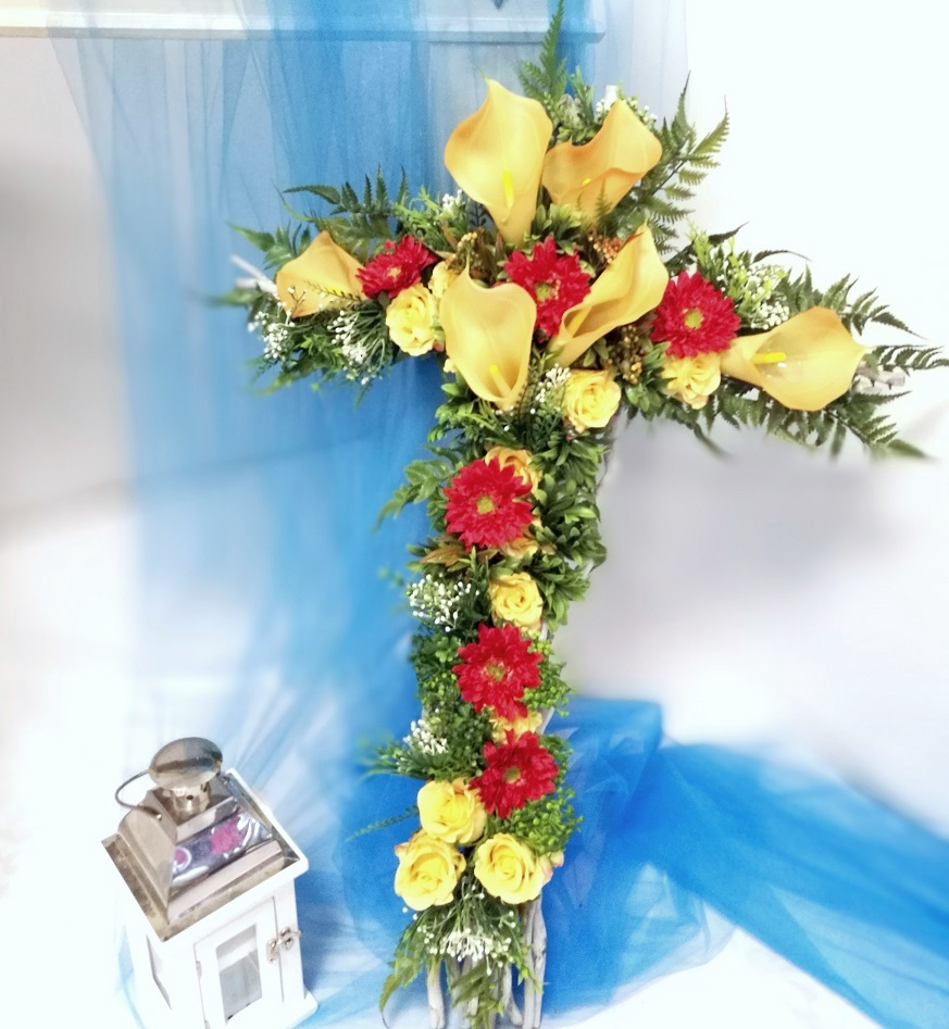 Stroik nagrobny z bukietem Krzyż z gerberą nr 398