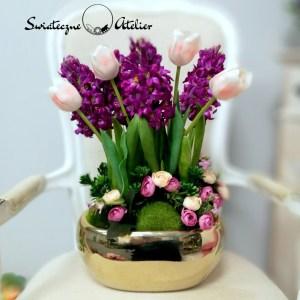 Gumowe tulipany i hiacynty w wiosennej kompozycji nr 424