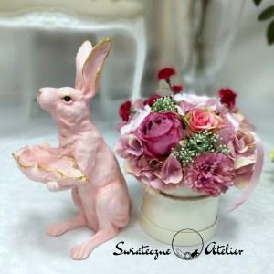 Różowy zając wielkanocny