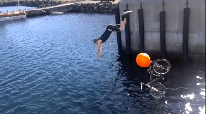 Pier Plunging Craze Hits Faroe Islands
