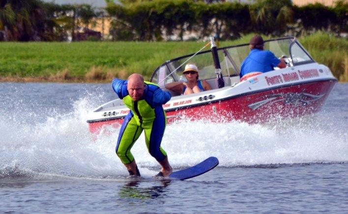boat water ski photo