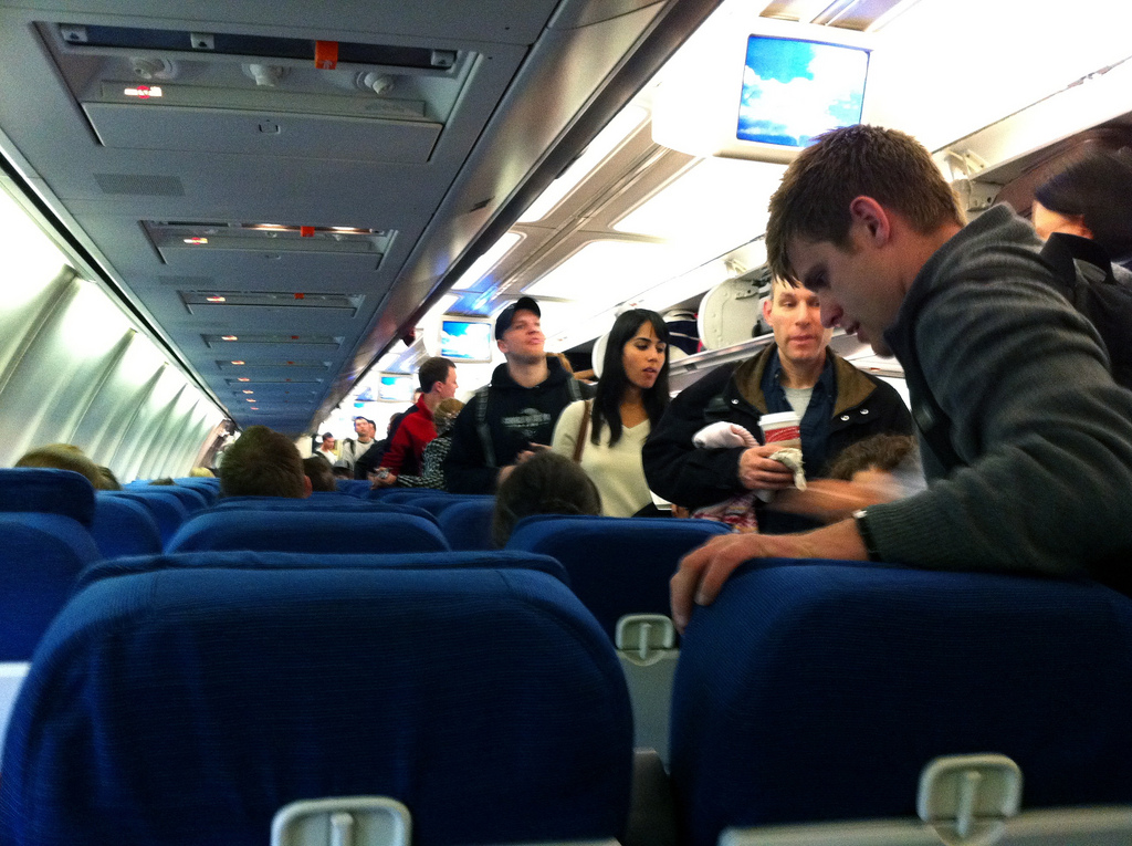 How a Virus Spreads Through an Airplane Cabin