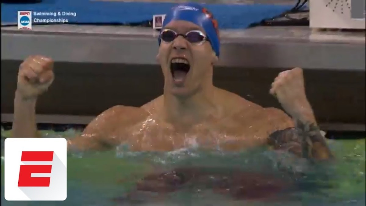 Caeleb Dressel sets another American record, this one in the 100 fly
