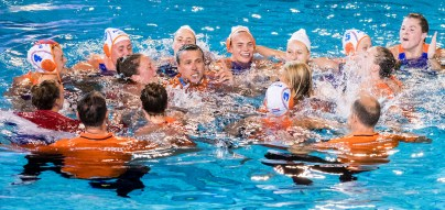 Team Netherlands Gold Medal celebration NED - GRE Netherlands (white caps) vs Greece (blue caps) Gold Medal Match Barcelona 27/07/18 Piscines Bernat Picornell 33rd LEN European Water Polo Championships - Barcelona 2018 Photo Giorgio Scala/Deepbluemedia/Insidefoto
