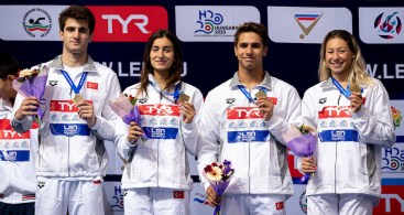 (L to R) TURKEY SATIR Mert Ali, GUVENC Gizem, DEMIR Demirkan, OZKAN Aleyna 4x100 medley relay mixed Medal Ceremony LEN European Swimming Junior Championships 2019 Aquatic Palace Kazan Day 4 06/07/2019 Photo G.Scala/Deepbluemedia/Insidefoto