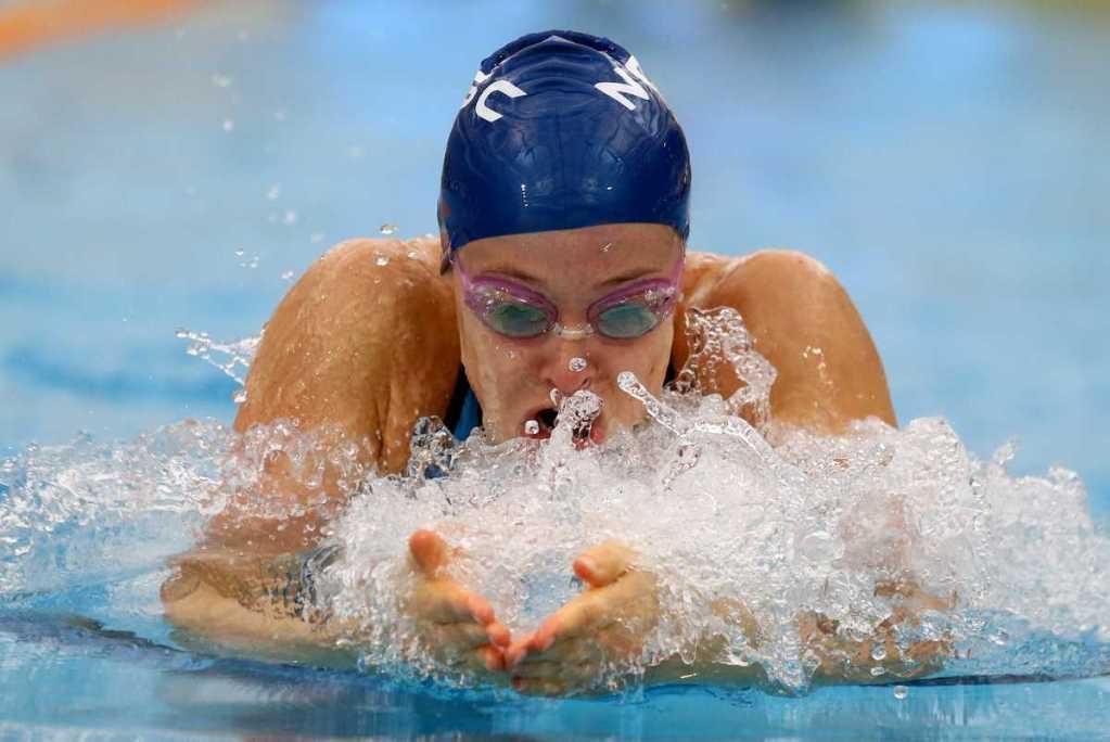 Natasha Lloyd, 100m Breaststoke during Session Two of the 2015 New Zealand Short Course Championships, Sir Owen G. Glenn National Aquatic Centre, Auckland, New Zealand, 11 August 2015. Photo: Simon Watts/www.bwmedia.co.nz