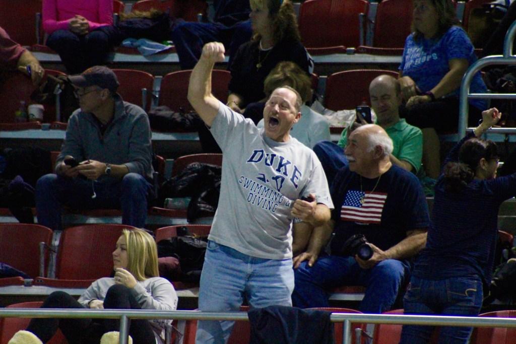 kristen-romano-dad-cheering-2016-cerave-invite