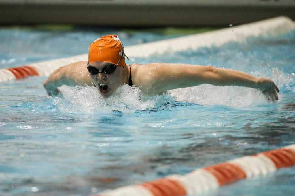 KNOXVILLE,TN - NOVEMBER 22, 2015 - Heather Kiger during the Tennessee Invitational Allan Jones Aquatic Center in Knoxville, TN. Photo By Craig Bisacre/Tennessee Athletics