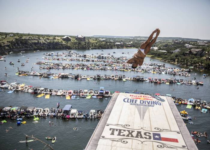 jonathan-paredes-texas-2017-red-bull-cliff-diving