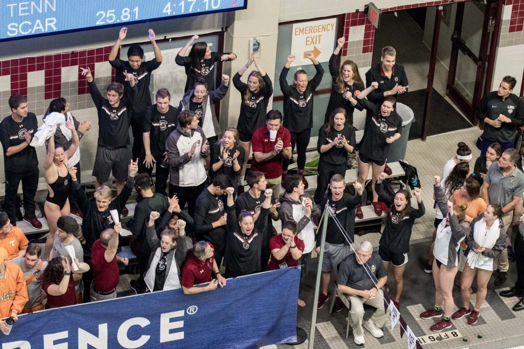 south-carolina-team-excited-men-500-free-sec-championships