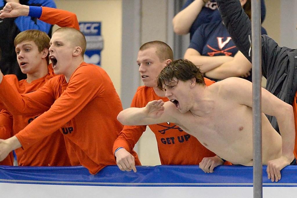 virginia-swimmers-cheer-men-acc-championships
