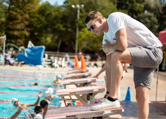 Back2Back-SwimCamp-coaching