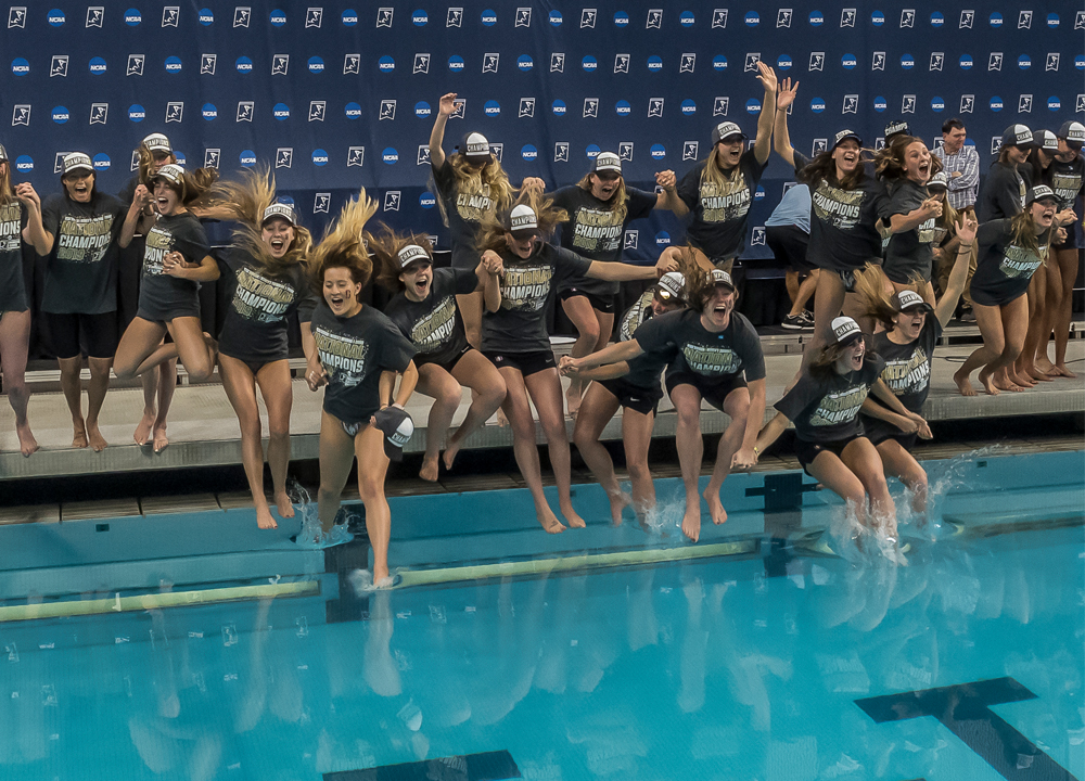 01 stanford-champions-2019-d1wncaa- 7842 Stanford Swimming World