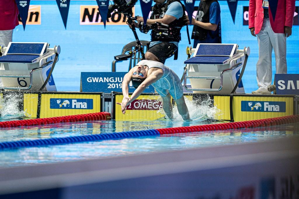 olivia-smoliga-100-back-final-2019-world-championships