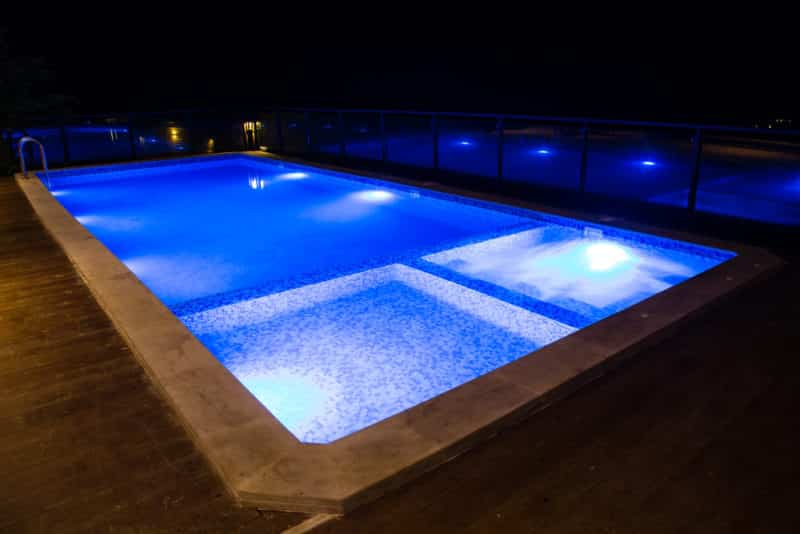 7 reasons you need led pool lights