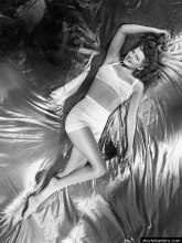 rita_hayworth-swim3_jpg