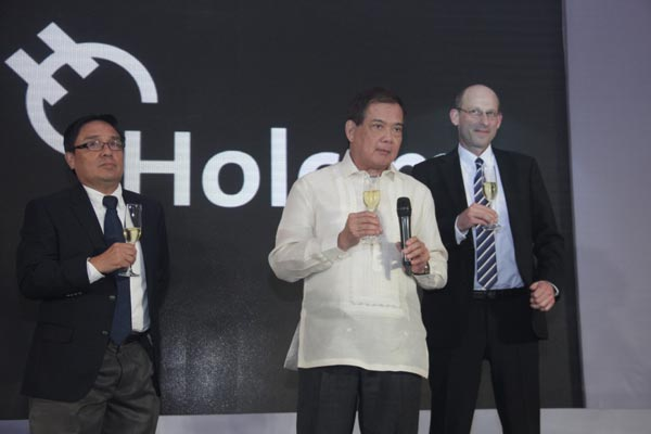 Holcim Toast (L-R) Holcim Philippines CEO and President  Eduardo Sahagun, Chairman Tomas Alcantara and LafargeHolcim Southeast Asia (East) Area Manager Daniel Bach