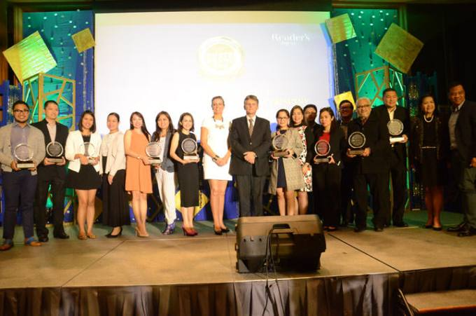 TRUSTED BRANDS 2016 Platinum WINNERS with Walter Beyleveldt, Reader's Digest Managing Director, Asia Pacific and Ms. Sheron White, RD Group Advertising and Retail Sales Director