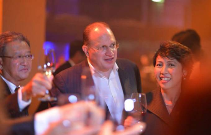 Nina Solomon (right) with AIA Group CEO and President Mark Tucker (center) and AIA Regional Chief Executive Ng Keng Hooi (left) at the 2014 AIA President's Club in Berlin.