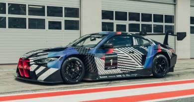 BMW M4 GT3 2021, continuano i test prima del debutto in pista