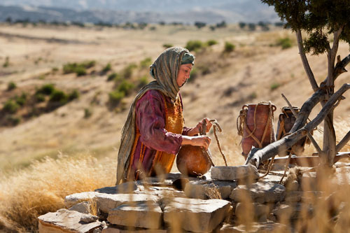 https://i2.wp.com/www.swordofthespirit.net/bulwark/samaritan-woman-at-the-well01sm.jpg