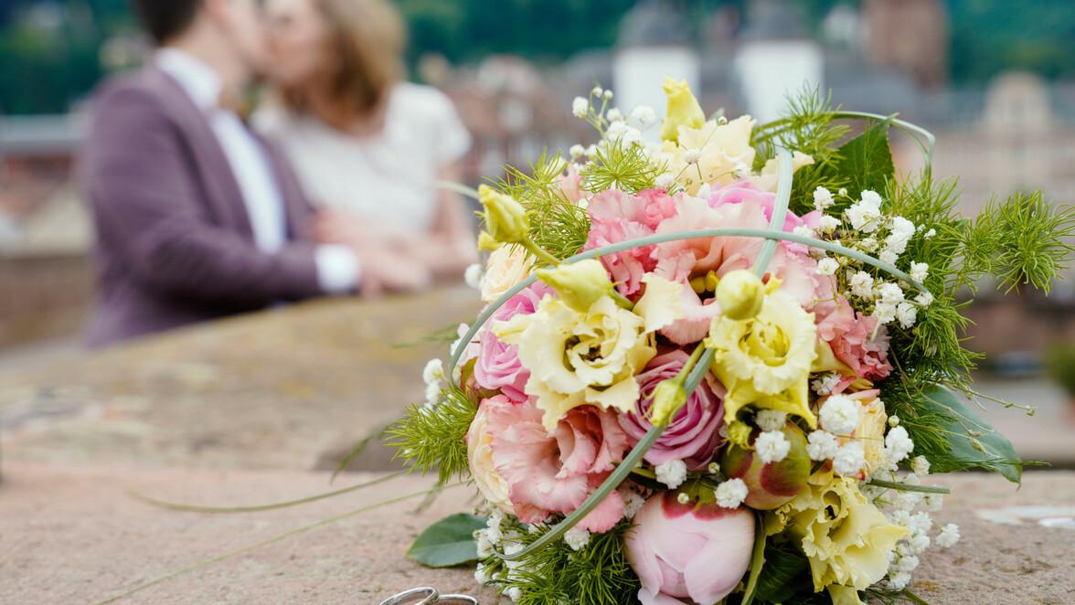 Corona Lockerungen Bw Grossveranstaltungen Hochzeiten Und Co So