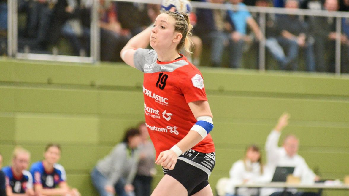 https www swp de sport mehr lokalsport metzingen tg nuertingen 28 jaehrige handballerin sarolta selmeci verstorben 51427656 html