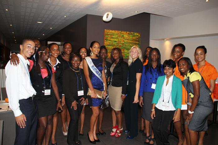L'ensemble des Ministres Juniors du Tourisme avec la Miss Martinique 2013.