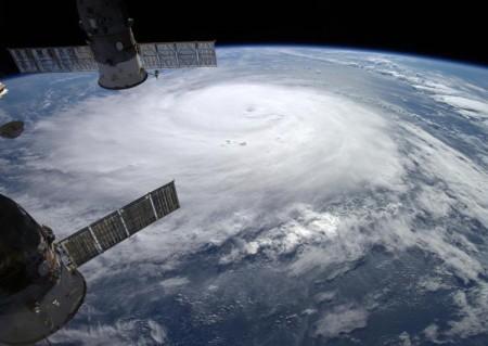 Figure 1. Image visible de l'ouragan Gonzalo le 16 octobre 2014. Crédit image : MODIS