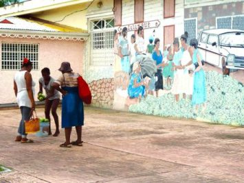 La riche tradition du marché de Marigot, du passé et du présent, a inspirée Luna Valenti, la gagnante de la compétition des jeunes. (Photo par Luna Valenti)